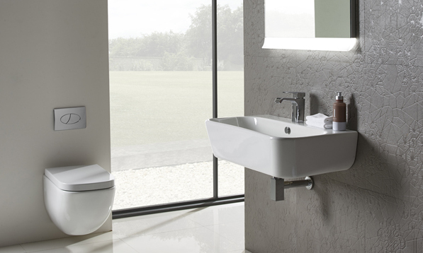 Version 850mm basin and wall hung pan lifestyle v01